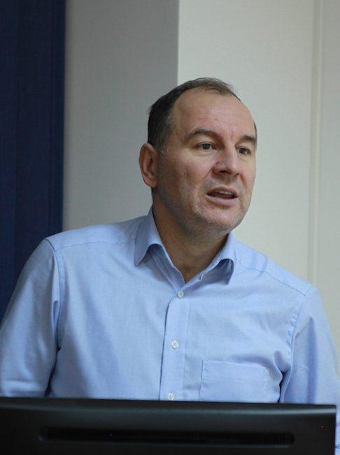 Doc.dr Nermin Lapandić :